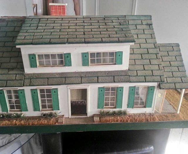 Fishermans cottage dollhouse | Little Victorian