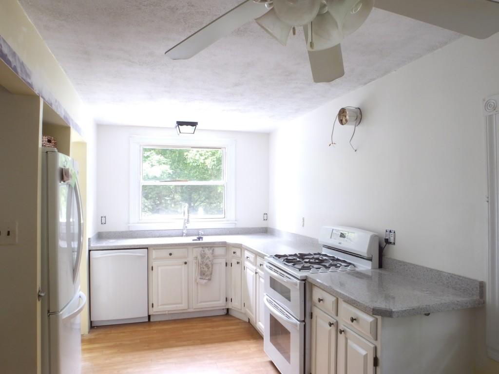 DIY kitchen renovation painted walls