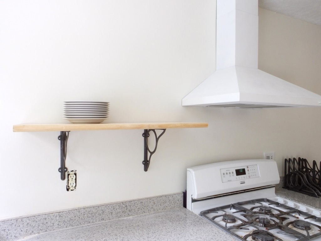 Kitchen open shelving brackets