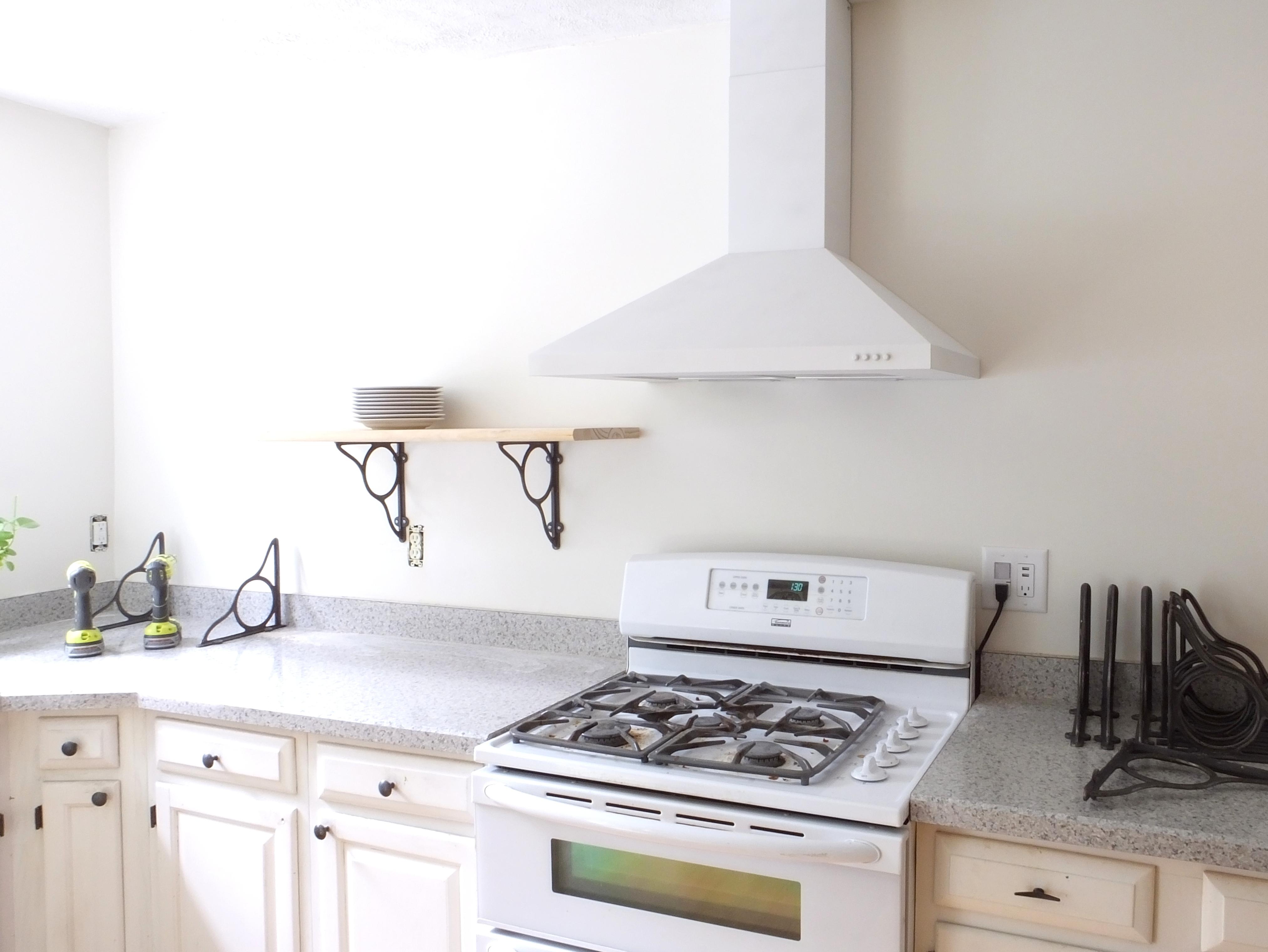 pretty open shelving brackets for the kitchen little victorian. Black Bedroom Furniture Sets. Home Design Ideas