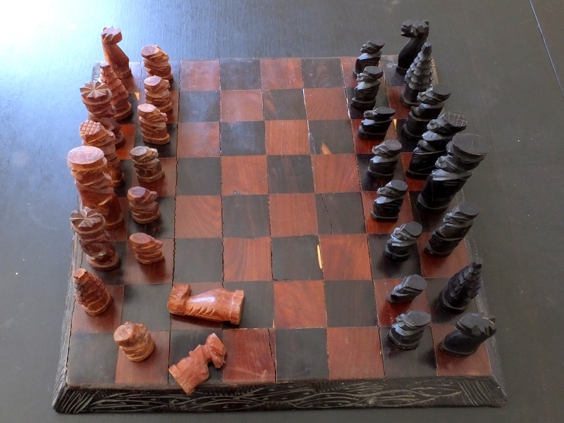 Hand-carved-chess-set (5)
