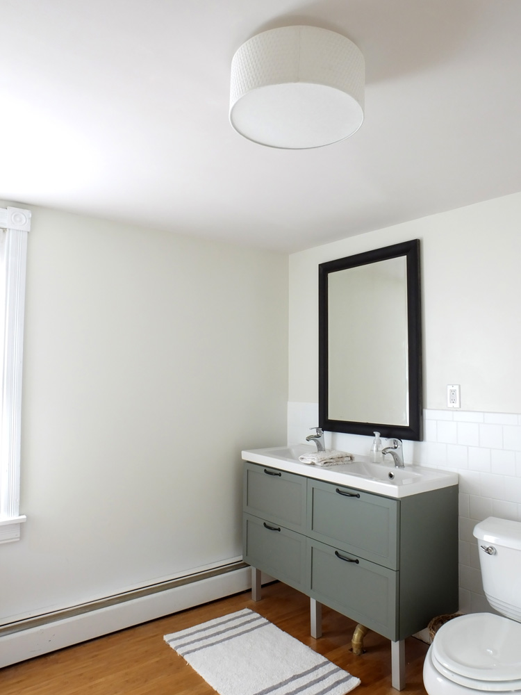 1-bathroom-vanity-light